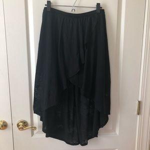 American eagle black high low skirt